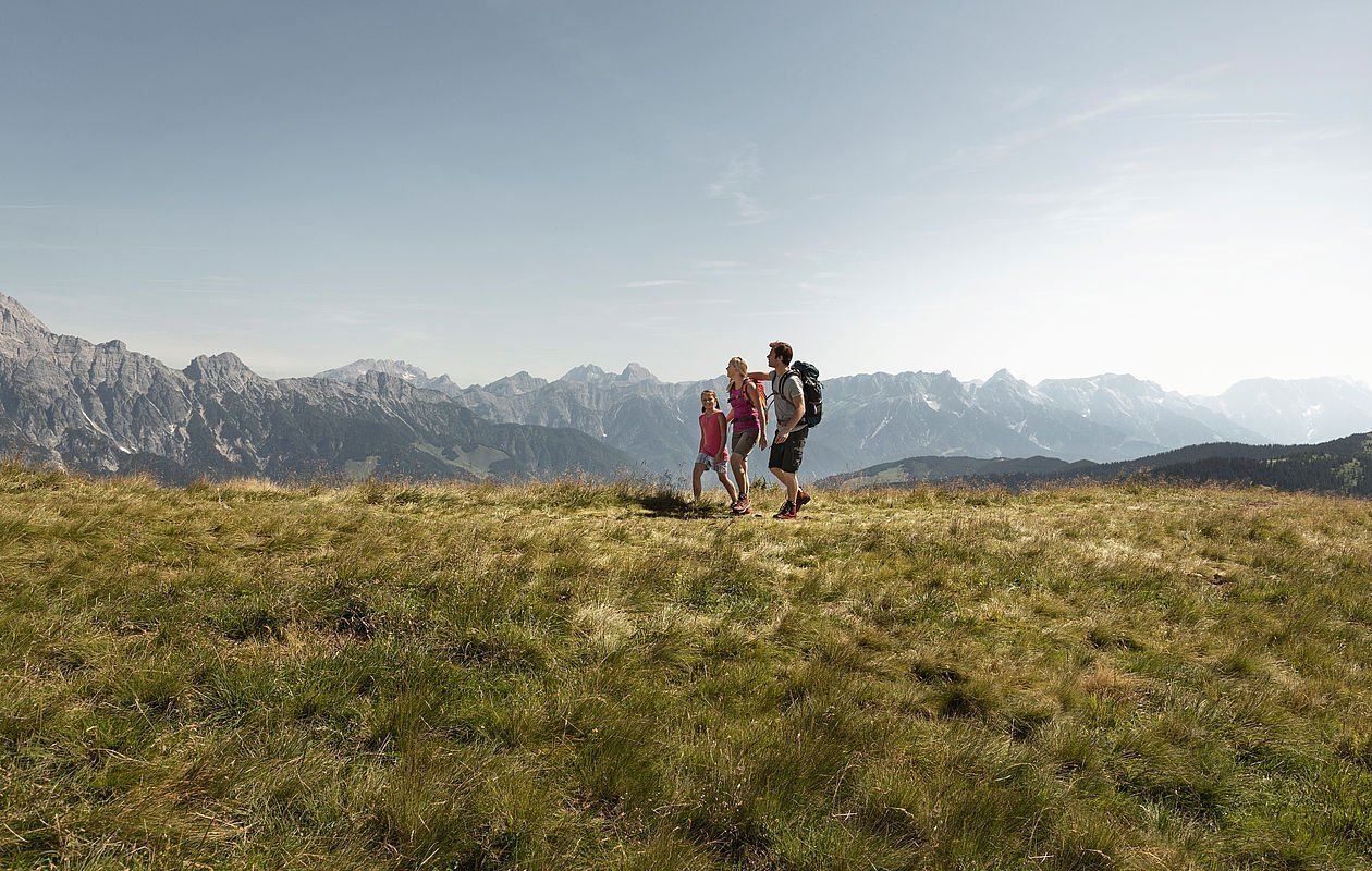 Familienwanderung in Leogang